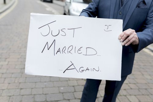 Sign saying just married again