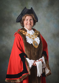 The Mayor of Kirklees Cllr Gwen Lowe