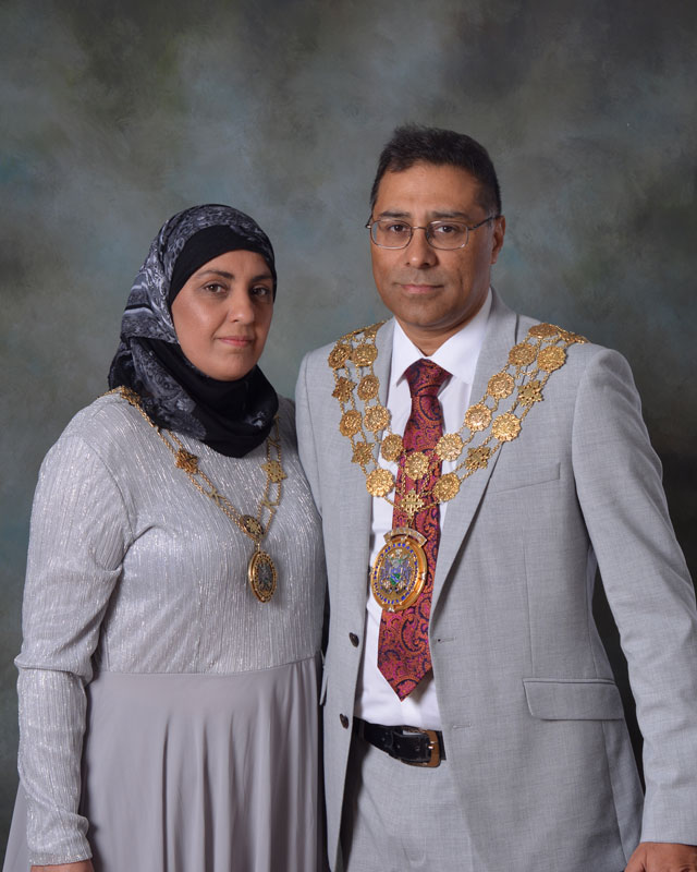 The Mayor and Mayoress of Kirklees, Councillor Mumtaz Hussain and Noreen Hussain